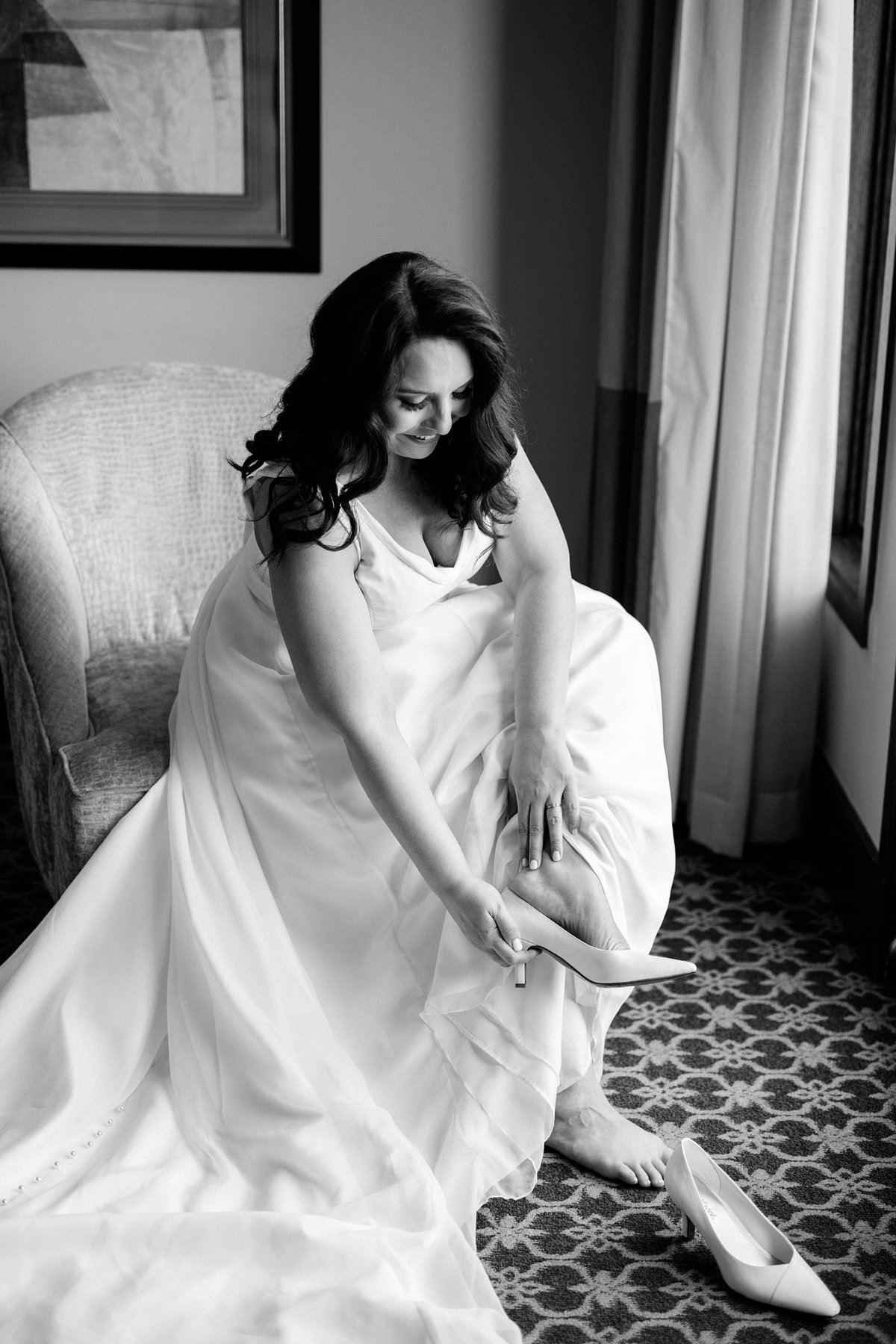 Rachel-Matt-Inn-at-St-Johns-Wedding-Michigan-Breanne-Rochelle-Photography21