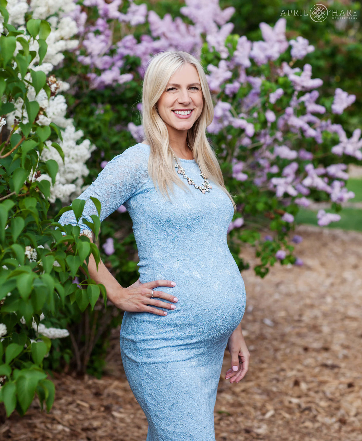 City-Park-Denver-Colorado-Maternity-Portraits-During-Spring-Blossoms-11