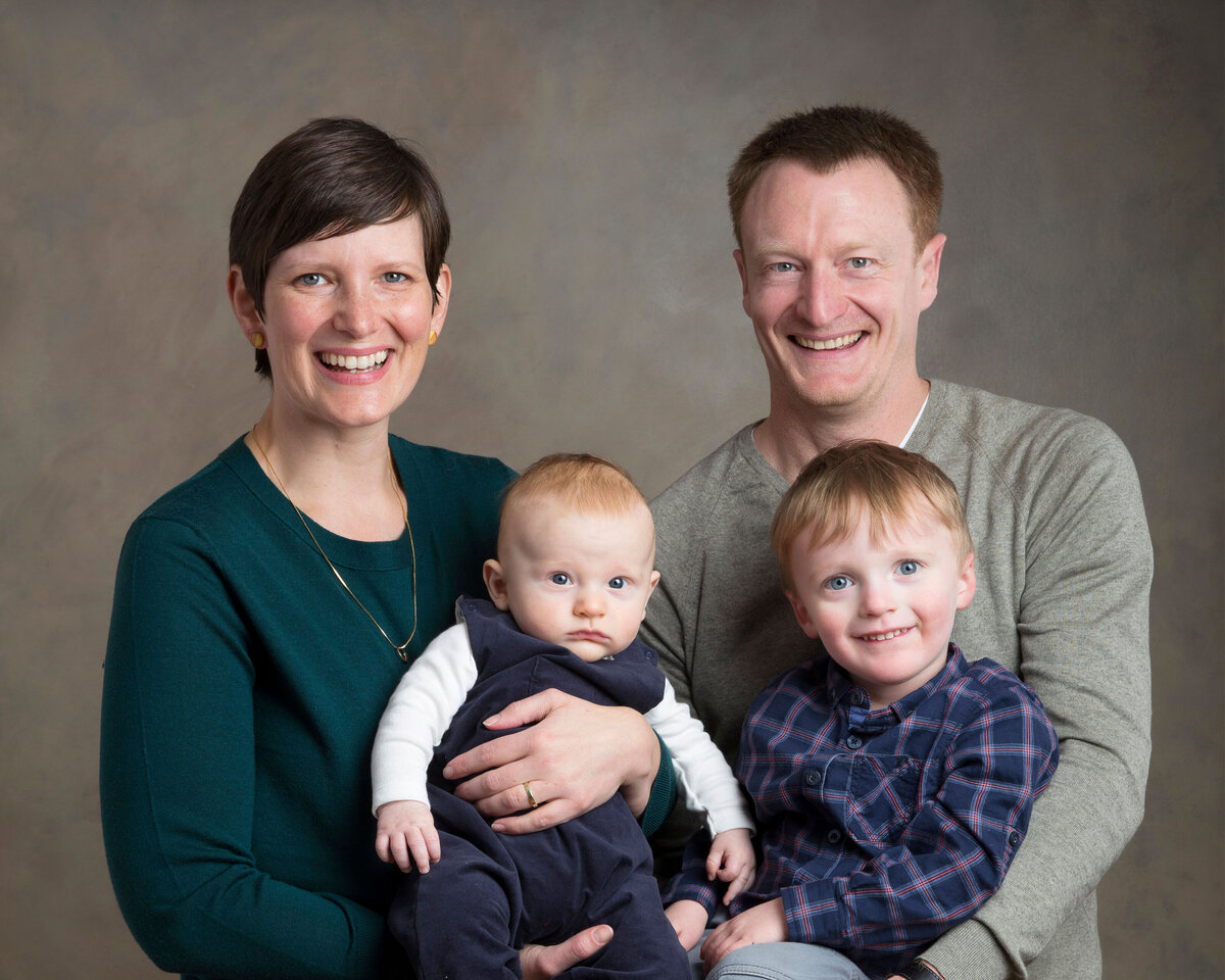 Minneapolis photographer family portraits studio