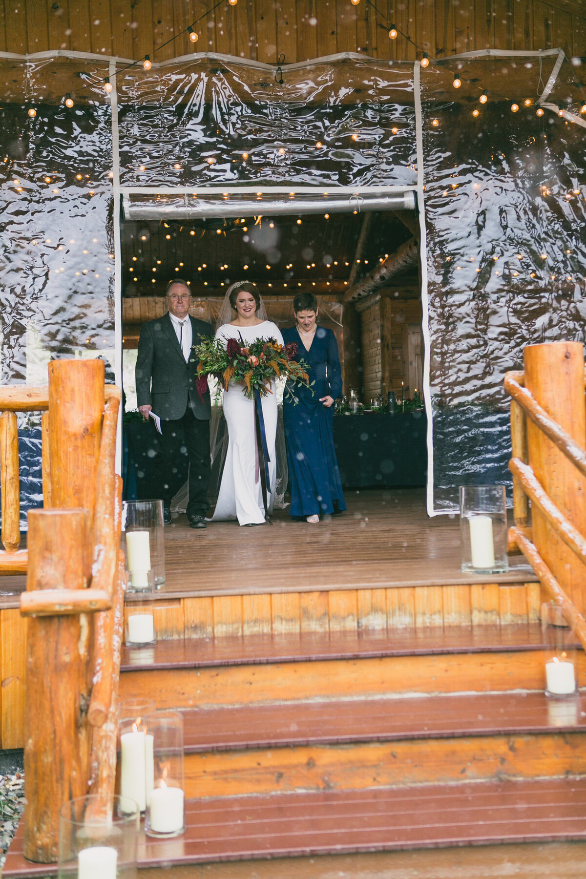 Jennifer_Mooney_Photography_Abbey_Stephen_Fall_Winter_Glacier_Park_Elopement-138
