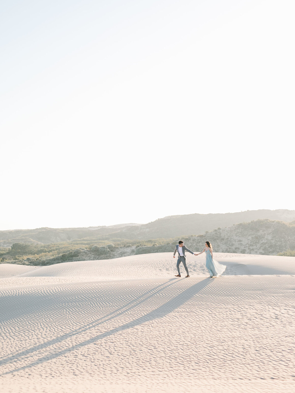 sand-dune-engagement-photos-15
