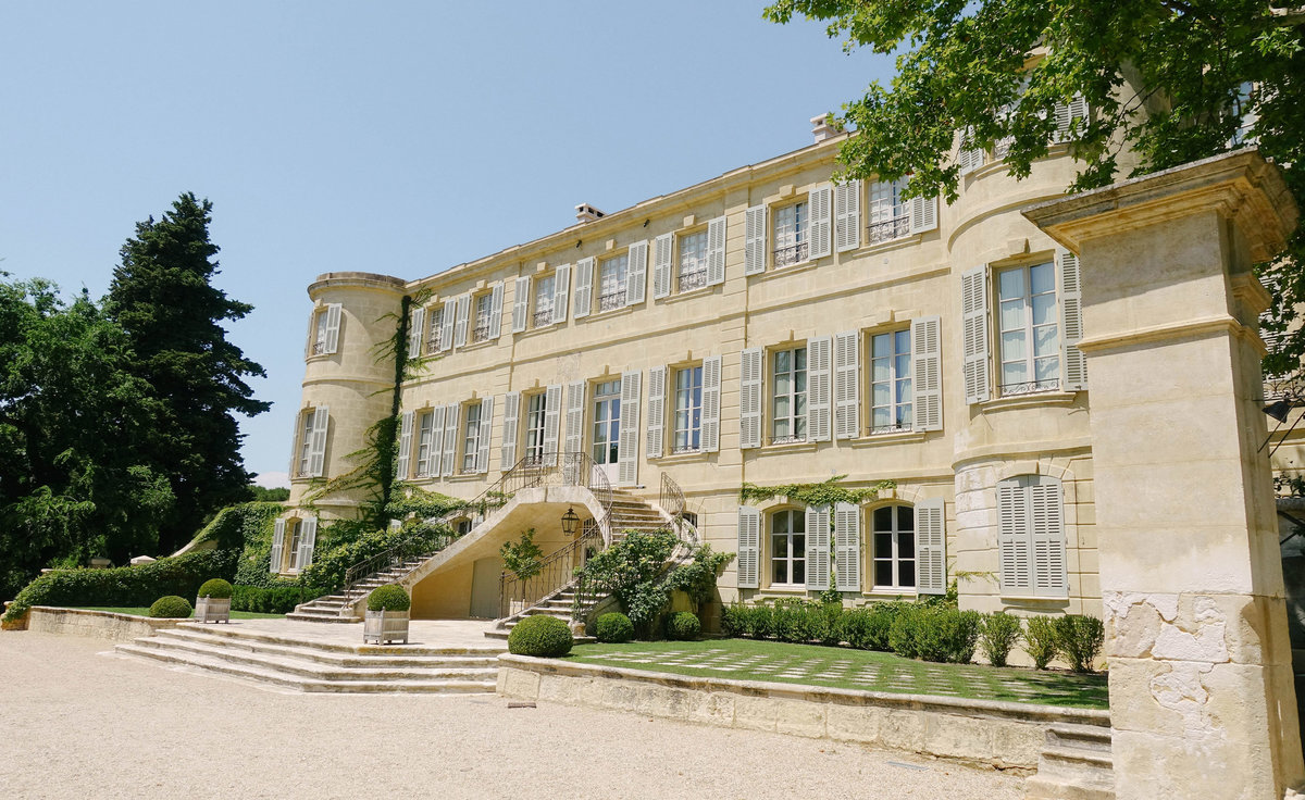 Chateau d'Estoublon, wedding venue near Avignon in Provence, France