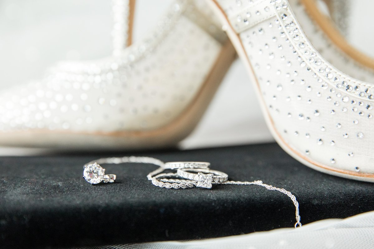 Hannah-Barlow-Photography-Wedding-Details_001