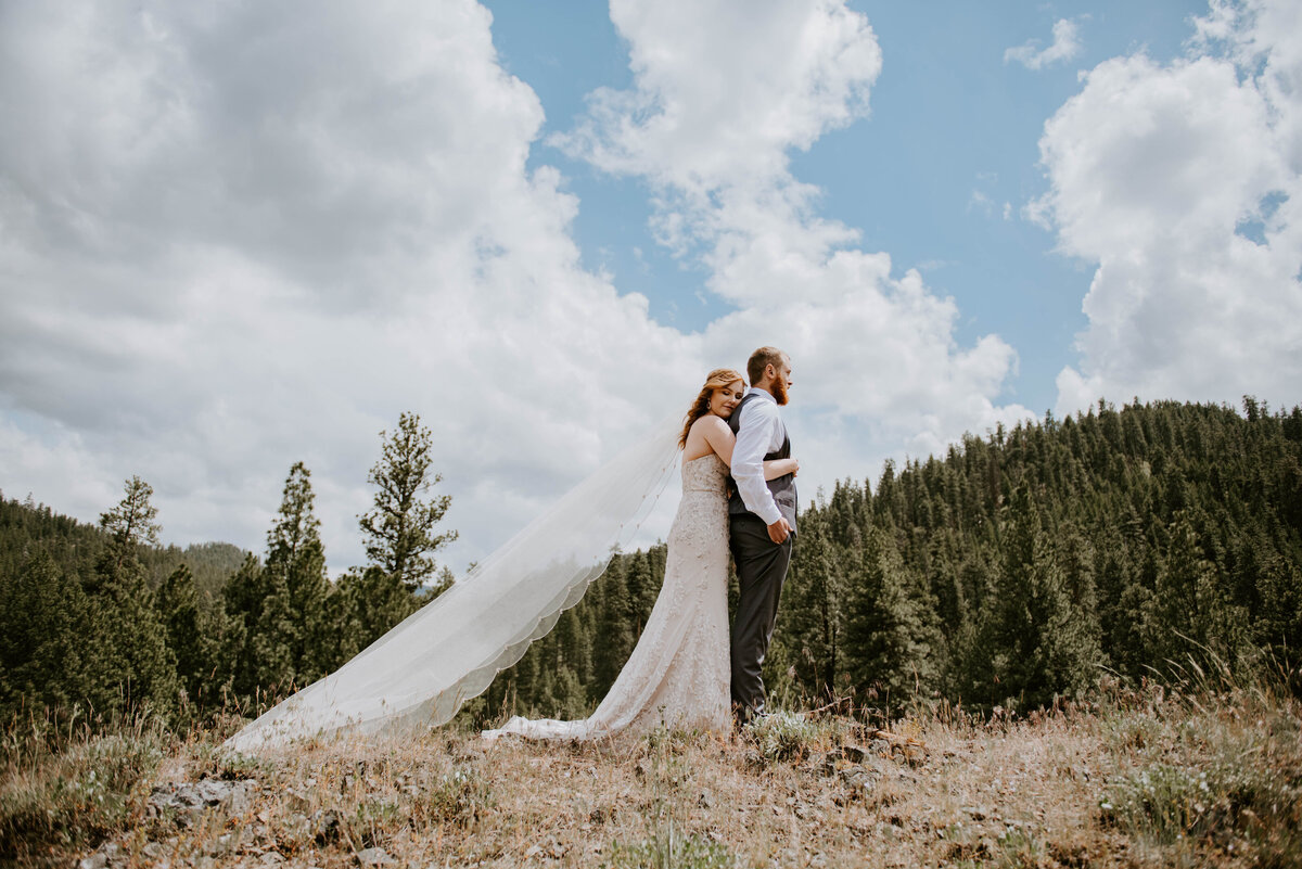 ochoco-forest-central-oregon-elopement-pnw-woods-wedding-covid-bend-photographer-inspiration0815