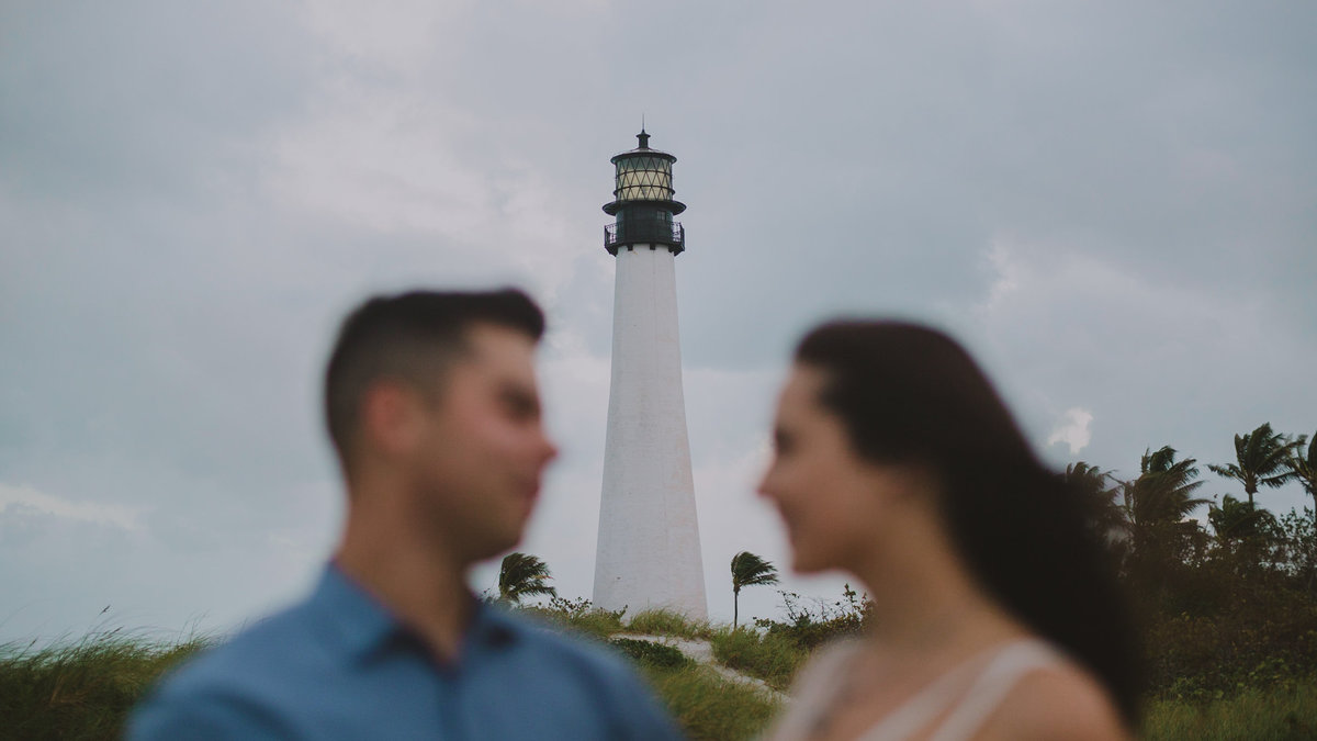 David-and-Alyssa-Bill-Baggs-Lighthouse-Engagement-Photos-0317
