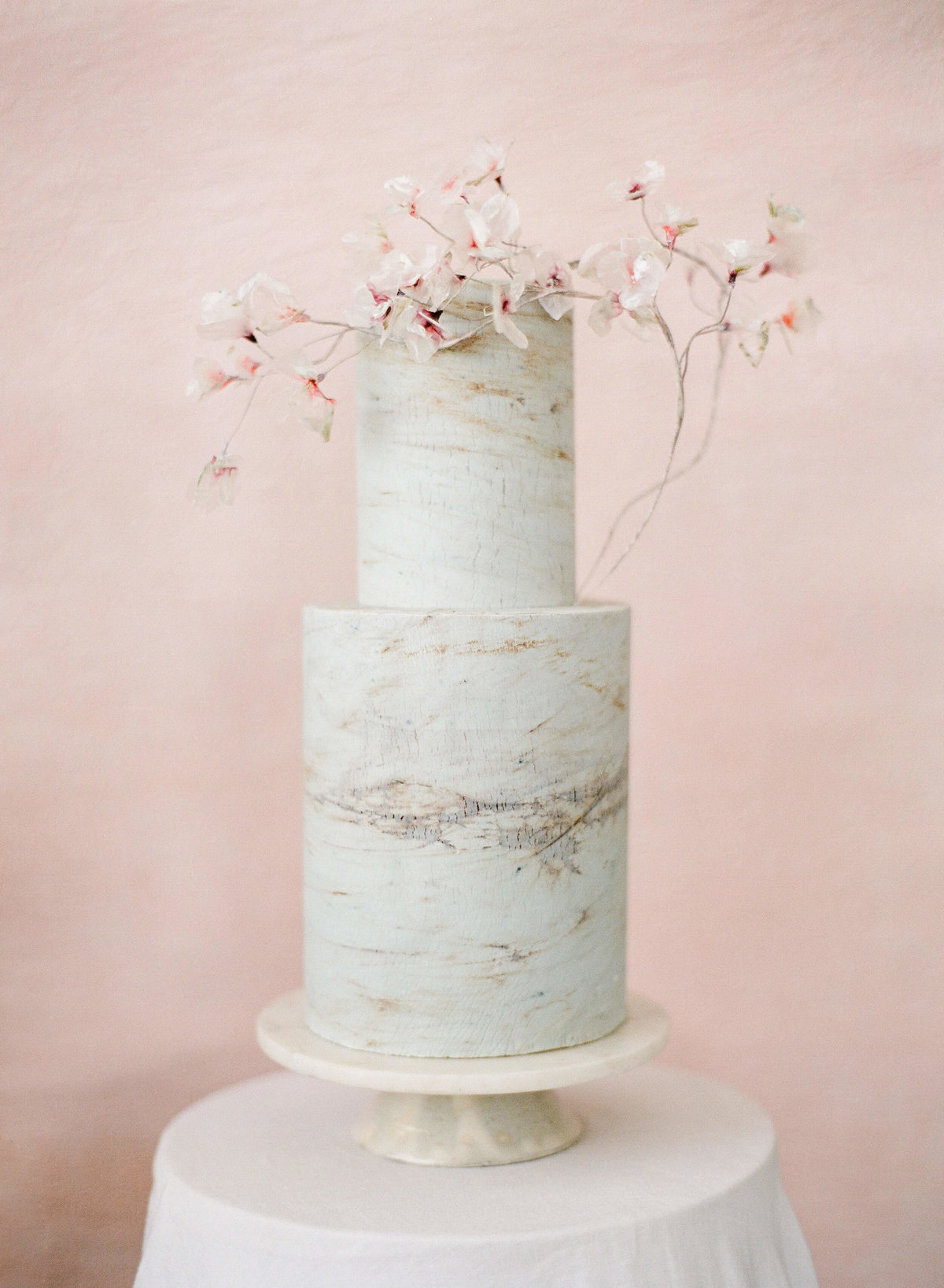 26-KTMerry-weddings-cake-tree-bark