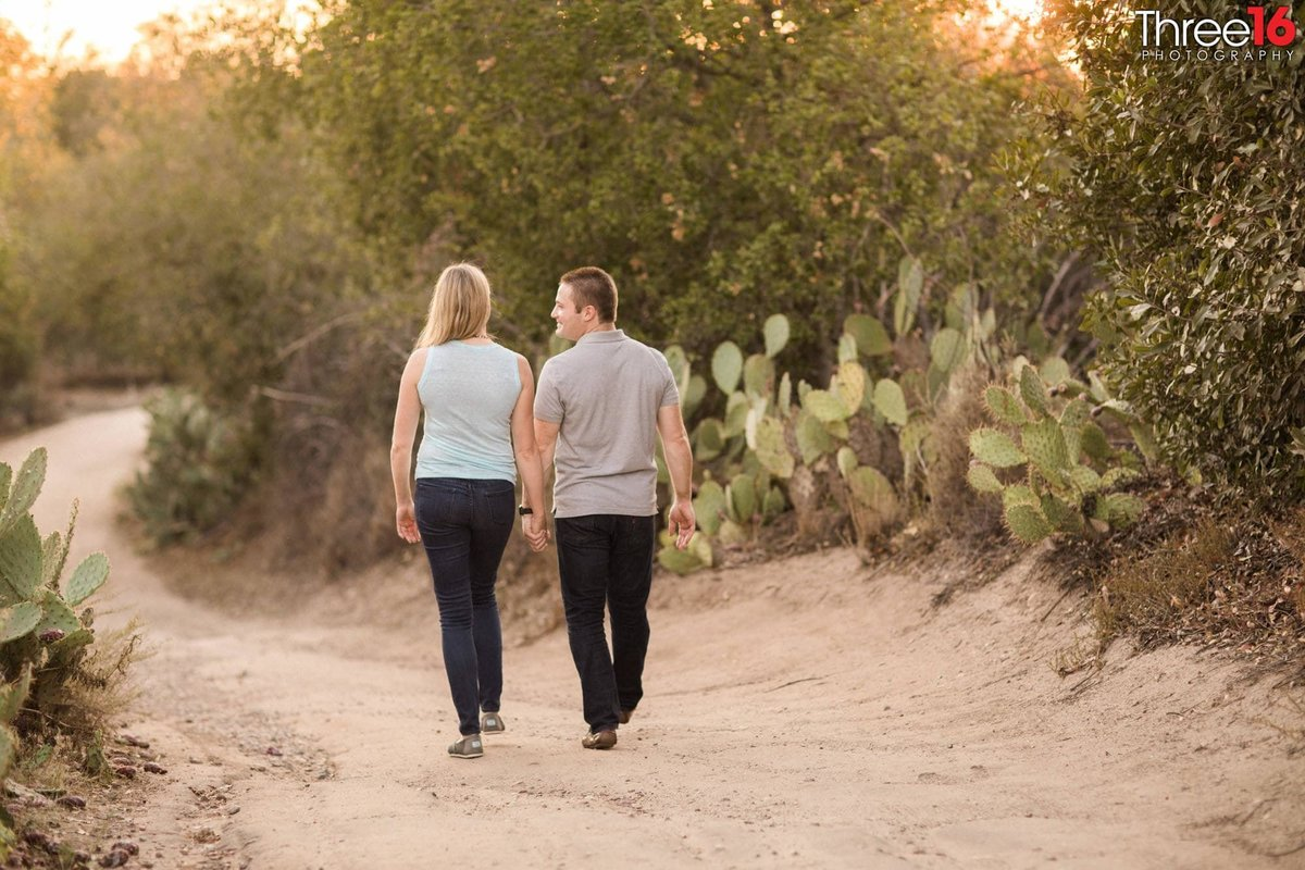 Whiting Ranch Wilderness Park Engagement Photos Trabuco Canyo
