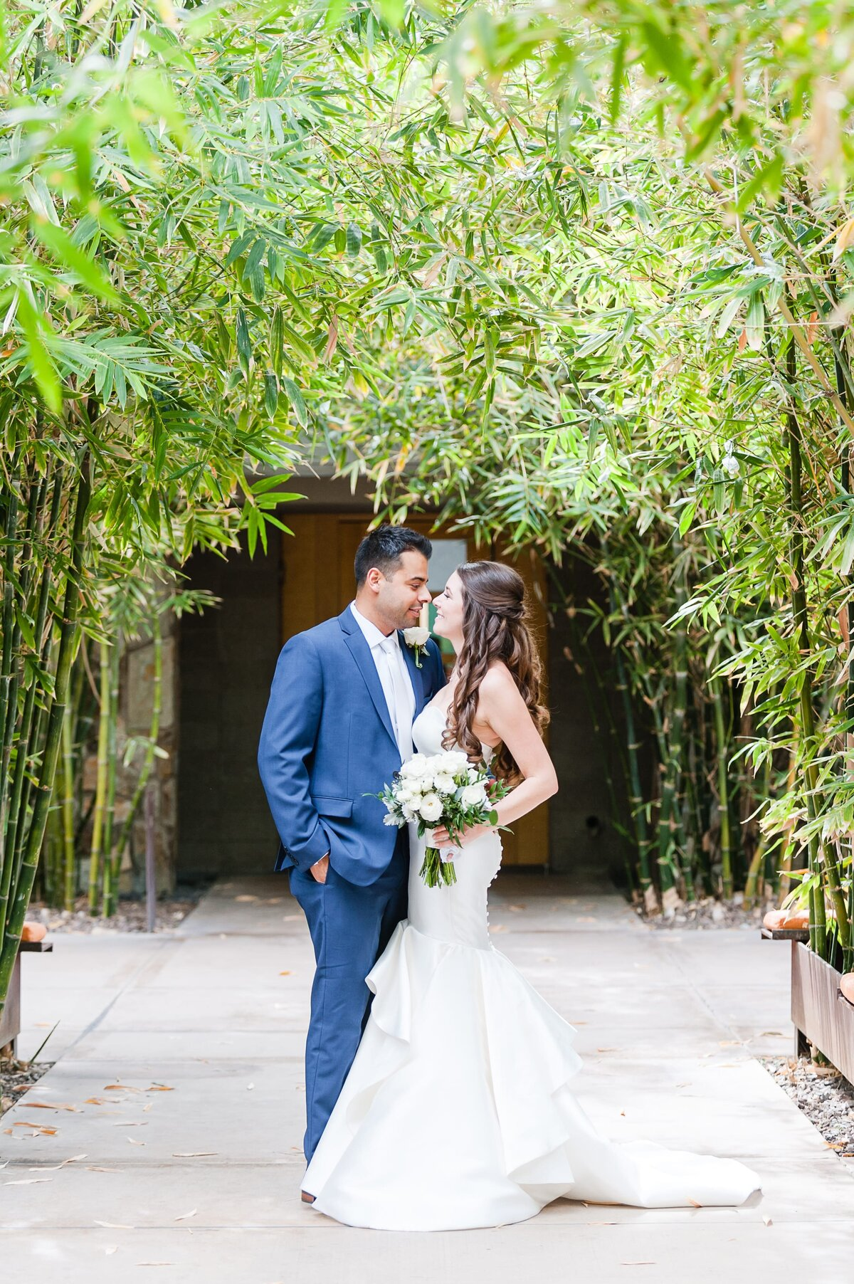 Sanctuary-on-Camelback-Wedding-by-Leslie-Ann-Photography-00008