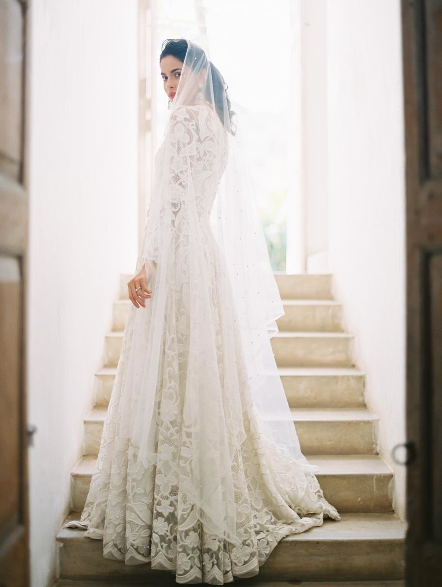 Naeem Khan Classic Wedding Dress White Lace Bonnie Sen Photography