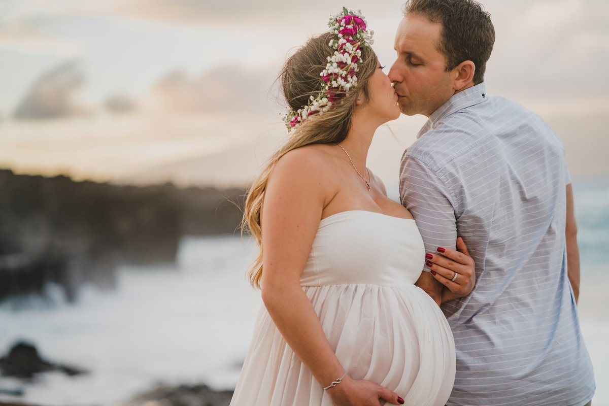 Ironwoods-beach-and-Honolua-Bay-maternity-session-112