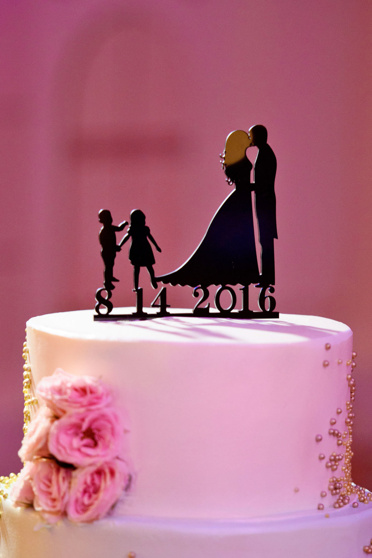 Wedding cake topper with date at The Sands