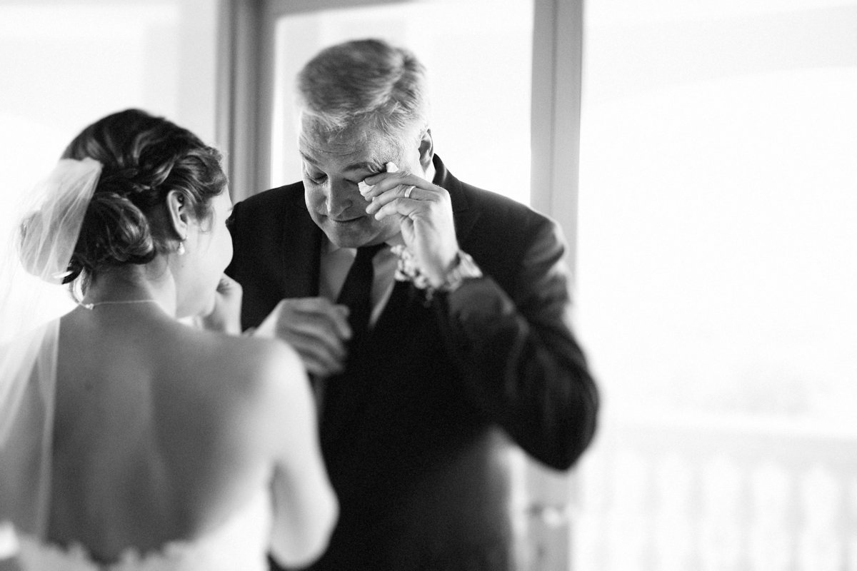 Lake Tahoe wedding pictures father cries when seeing bride