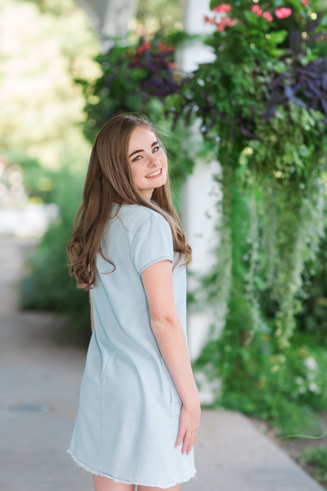 L Photographie high school senior photos Queeny Park 28