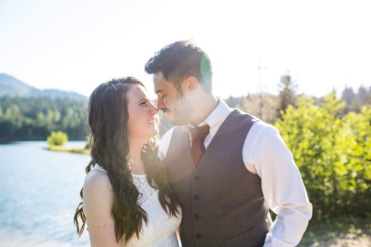 Gold-Creek-Pond-summer-engagement-pictures-001