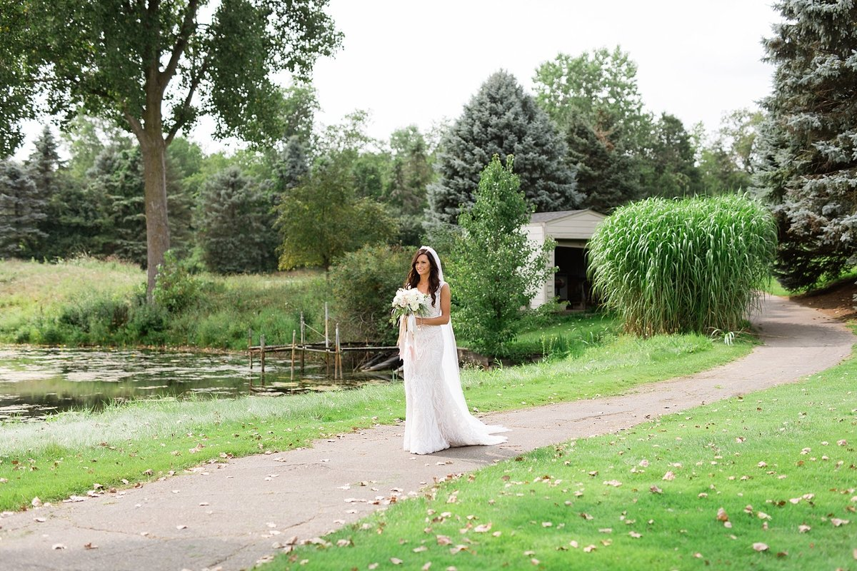 Lauren-Nate-Paint-Creek-Country-Club-Wedding-Michigan-Breanne-Rochelle-Photography30