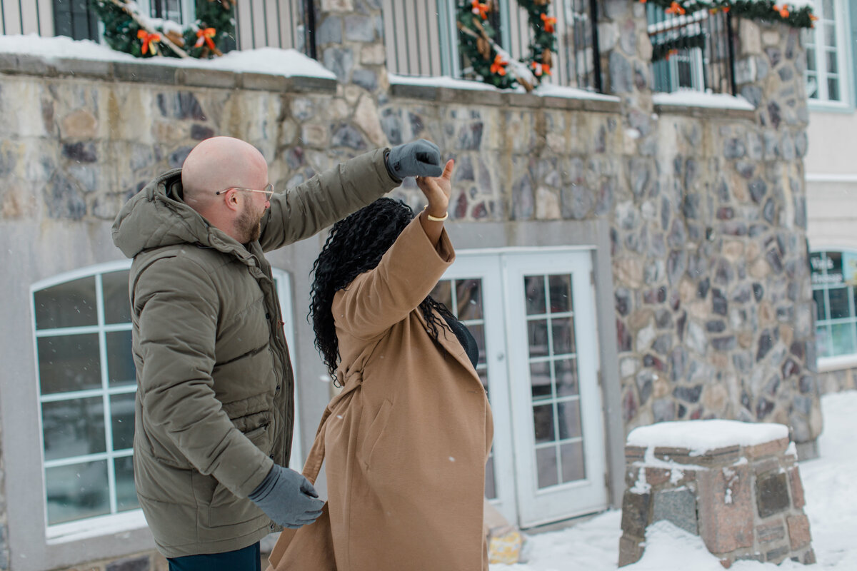 tremblant-winter-mountainside-engagement-session-grey-loft-studio-tremblant-village-33
