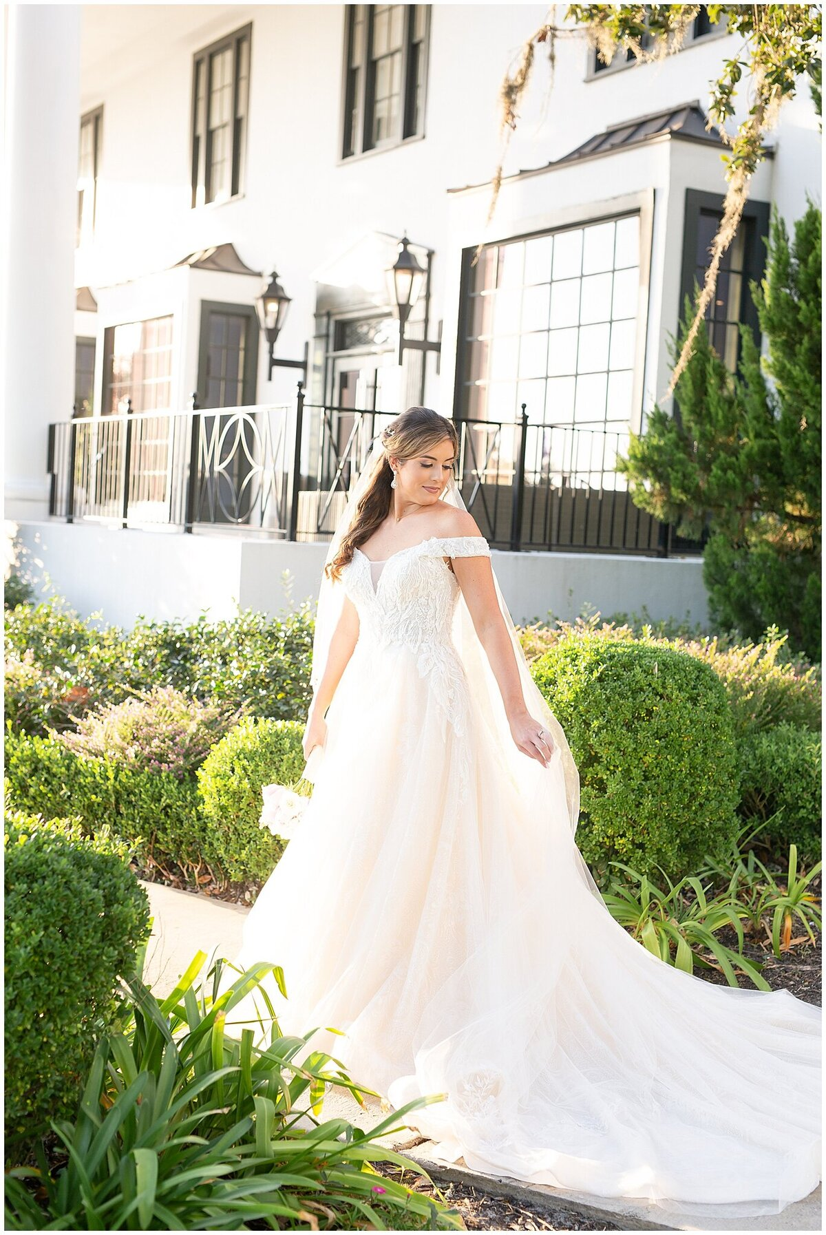 Bridal-Wedding-PortraitsThe-White-House-Hotel-Biloxi1231