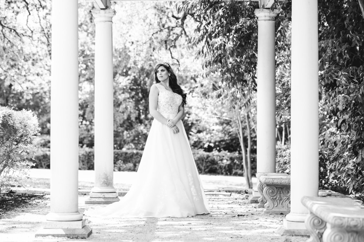 luxury austin wedding photographer bridal session laguna gloria Austin, TX