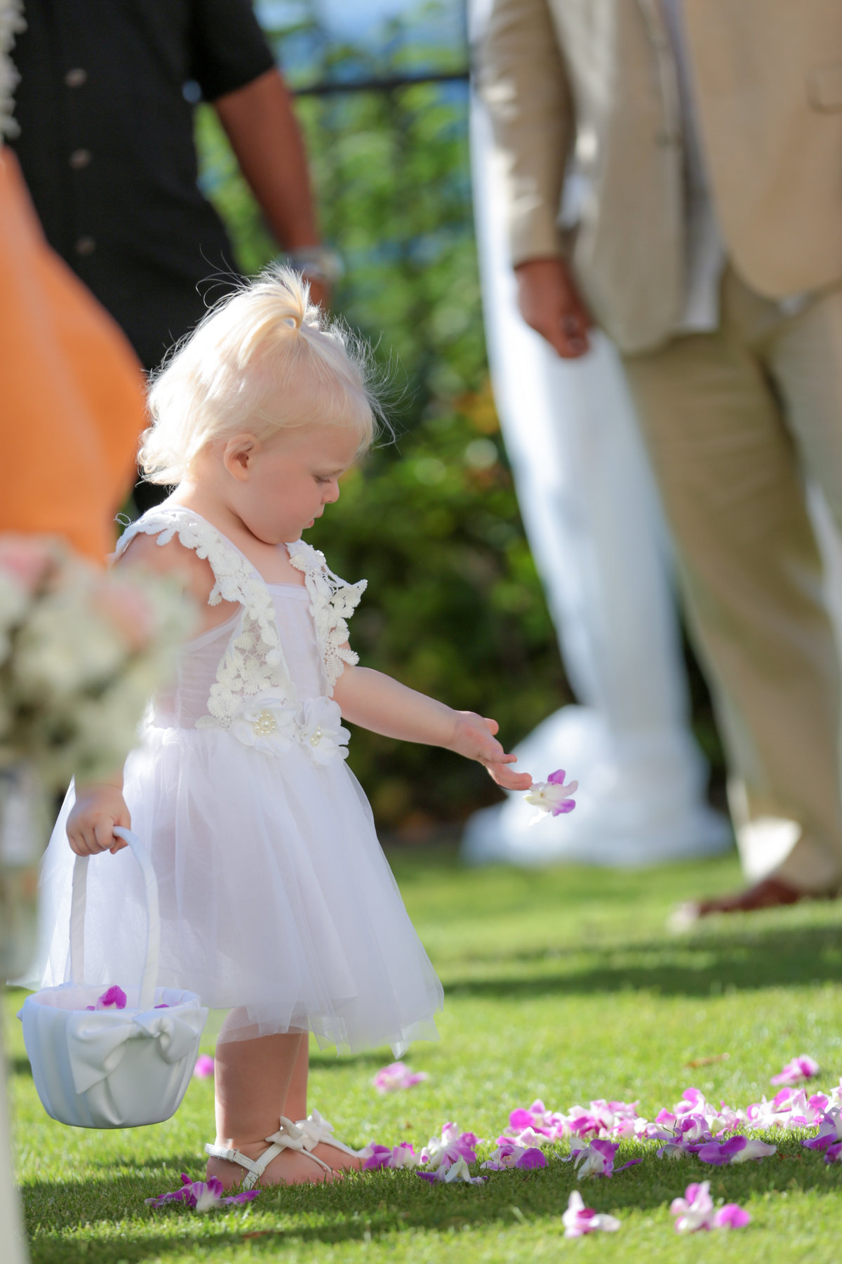 Bradenton-Sarasota Wedding Photography of the flower girl in the aisle
