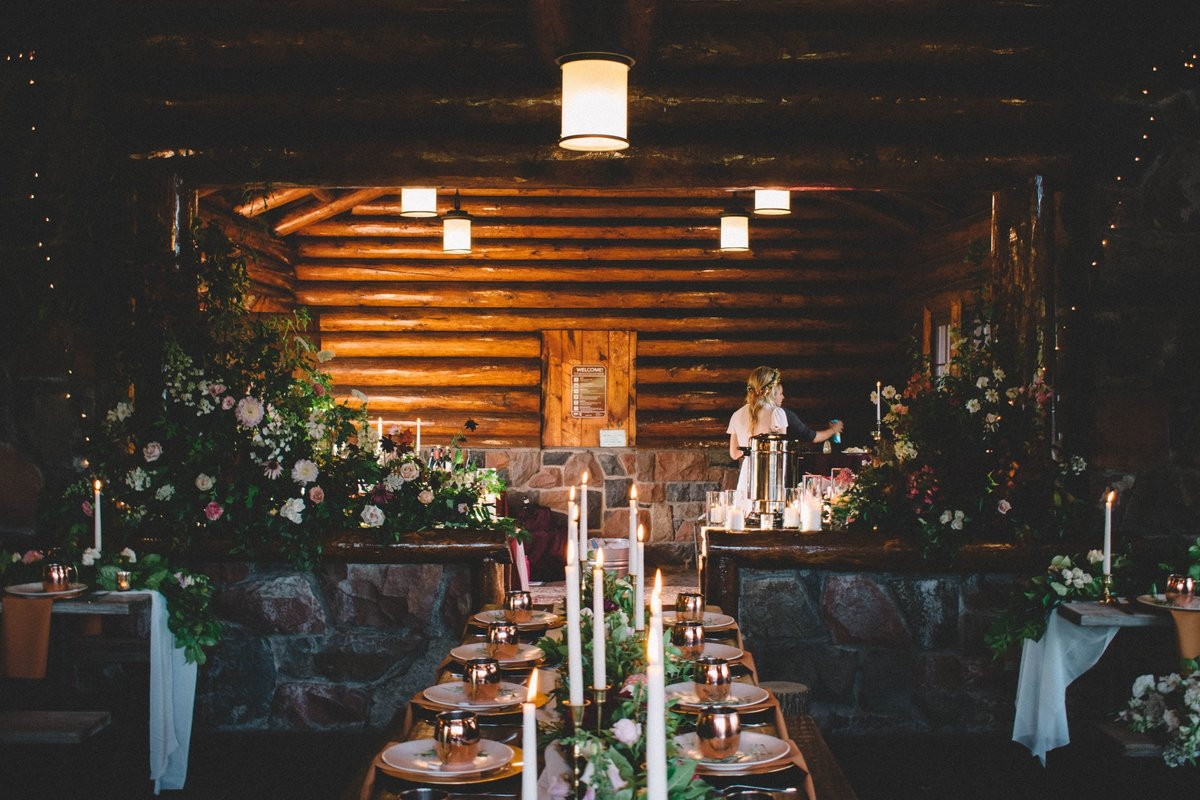 cabin wedding flowers