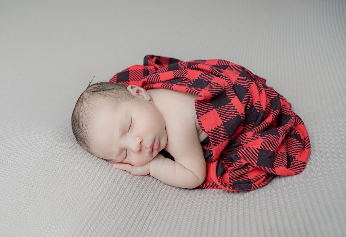 newborn-baby-boy-photos-ottawa-grey-loft-studio-63