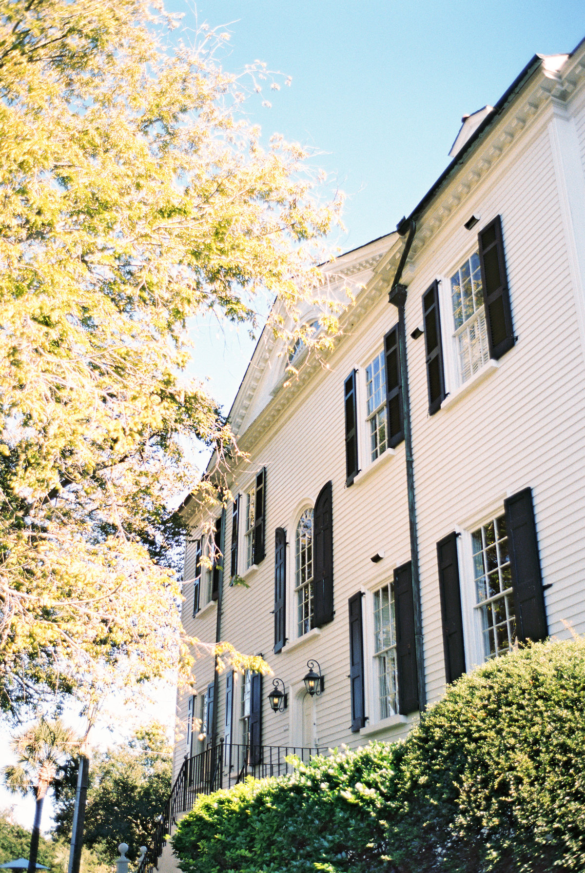 wedding-venues-in-charleston-governor-thomas-bennett-house-philip-casey-10