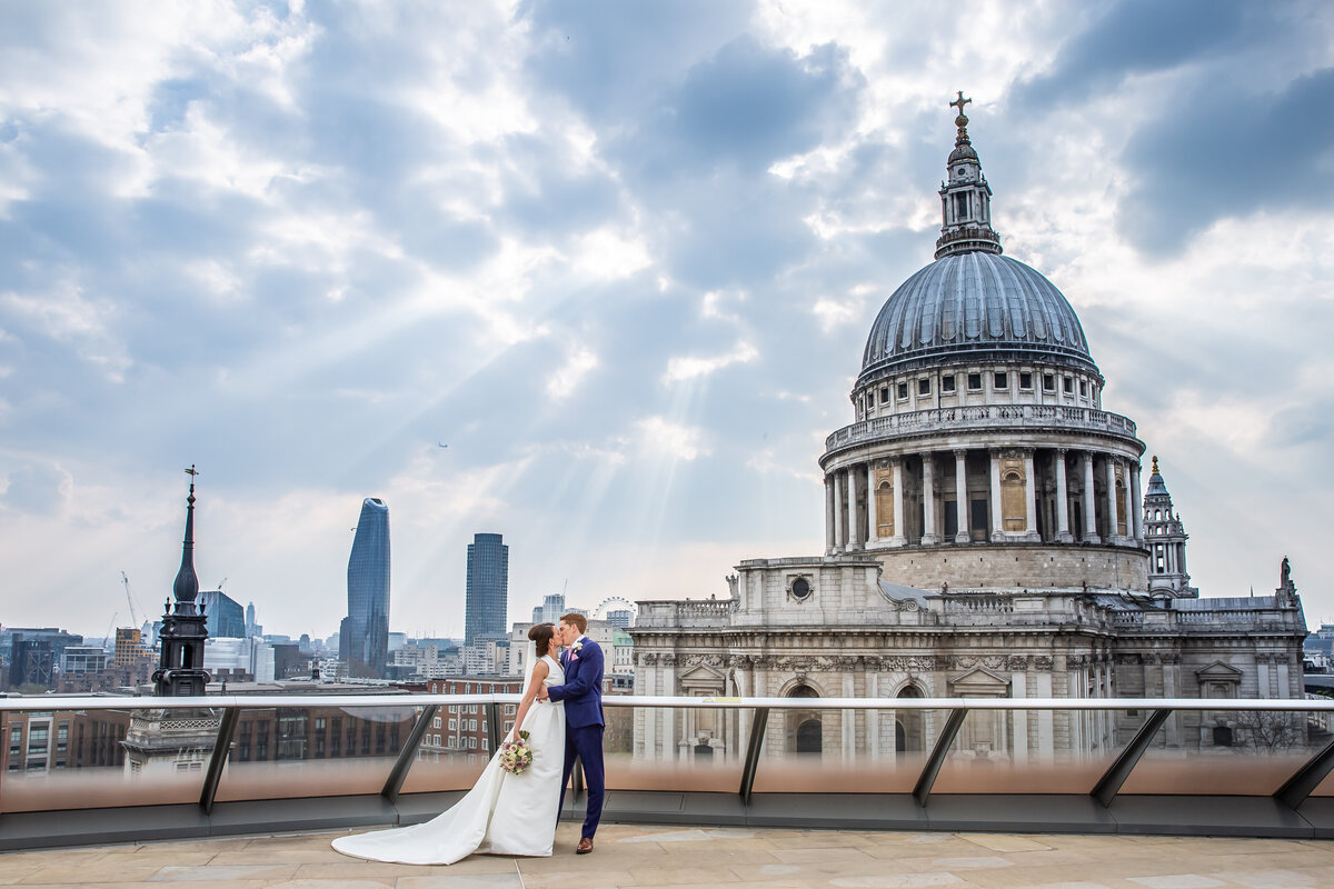 Bride and Groom in front of St Pauls Cathedral
