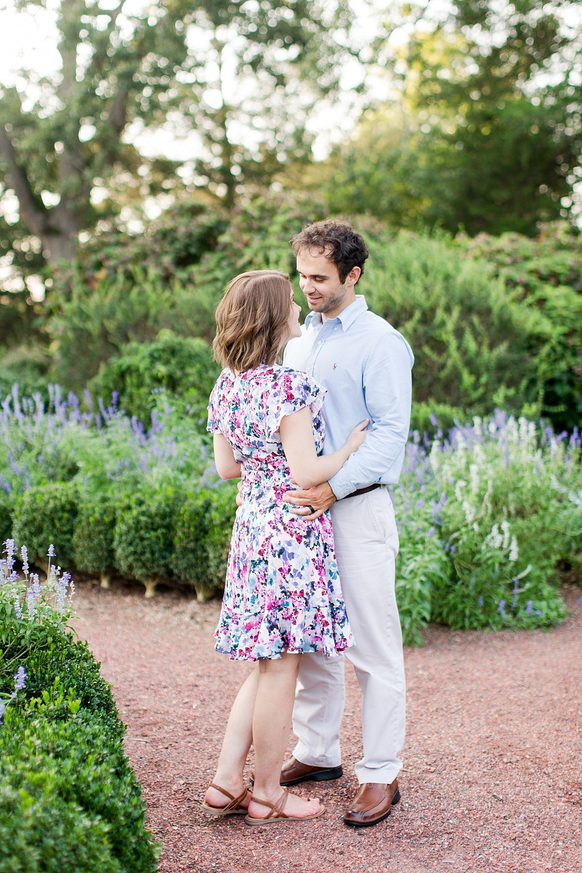 Roswell-Barrington Hall-Engagement-Photos-_0012