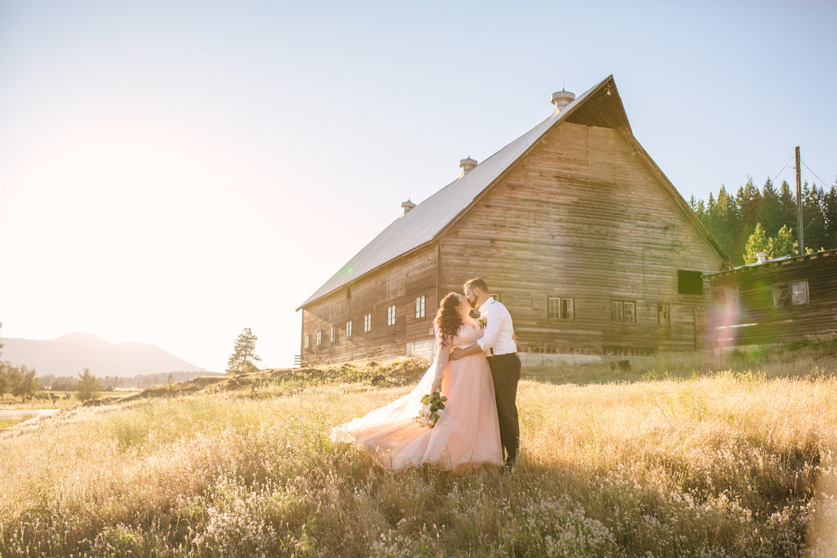 intimate-mountain-cabin-wedding-photos-Denver-wedding-photographer-005