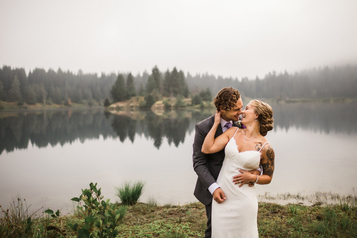 Snoqualmie-Pass-Elopement-Gold-Creek-Pond-42