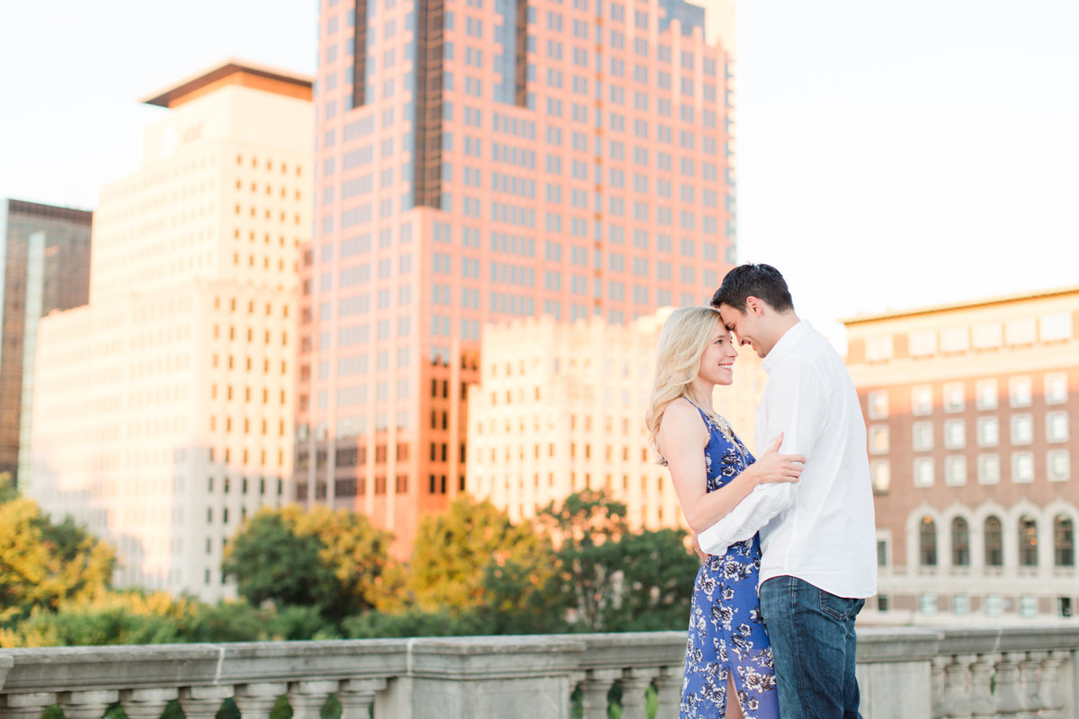 Indianapolis War Memorial Downtown Engagement Session Sunrise Sami Renee Photography-2