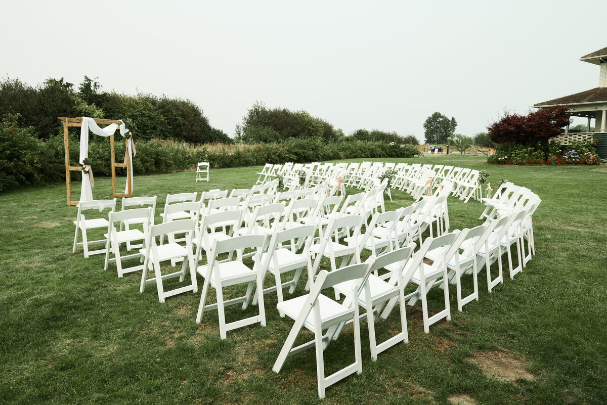 white-blush-greenery-wedding-ceremony-11