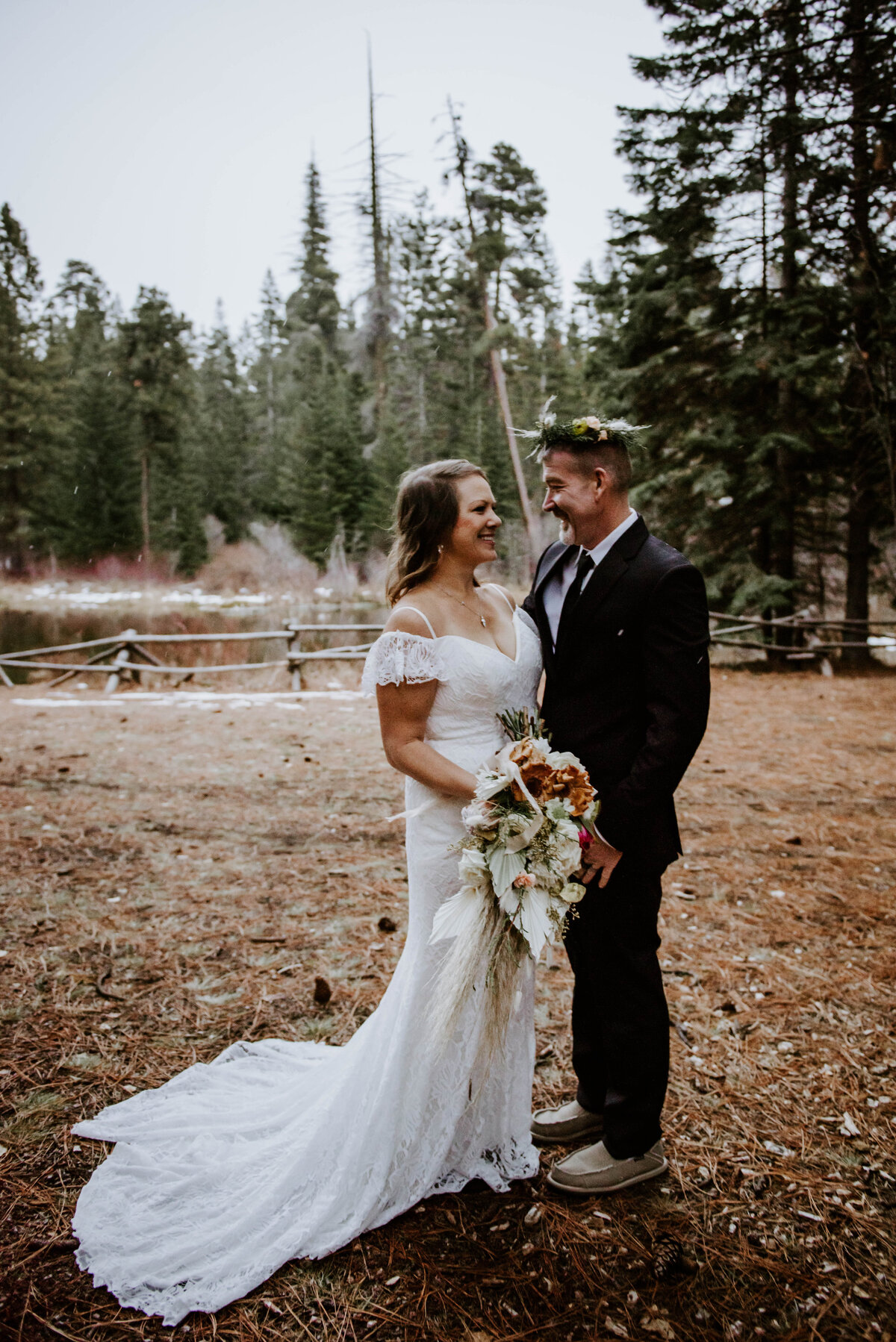 suttle-lake-sisters-oregon-lodge-woods-vow-renewal-photographer-wedding-elopement-3114