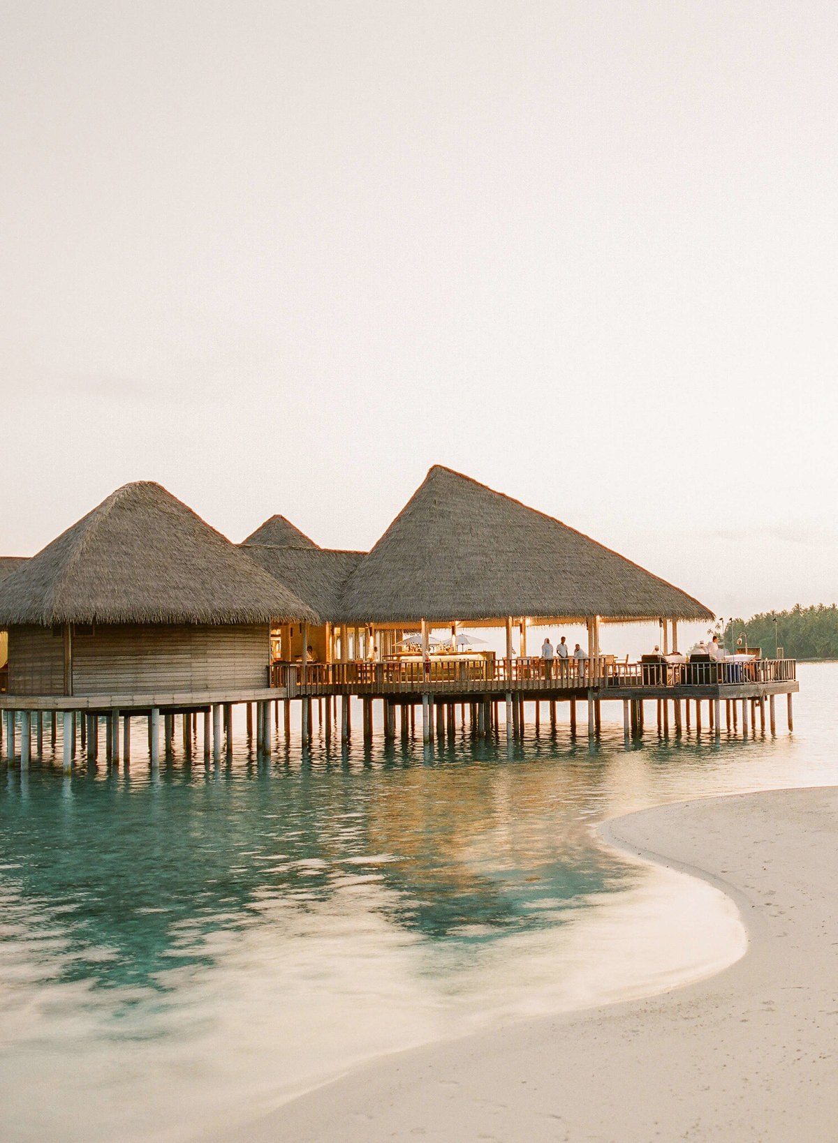 40-KTMerry-destinationwedding-beach-bungalows-Maldives