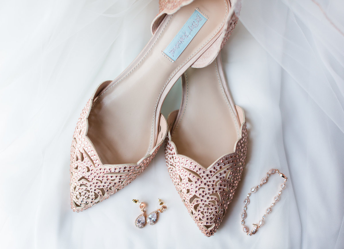 Elizabeth Hill Photography Blush and Navy North Carolina Wedding-4