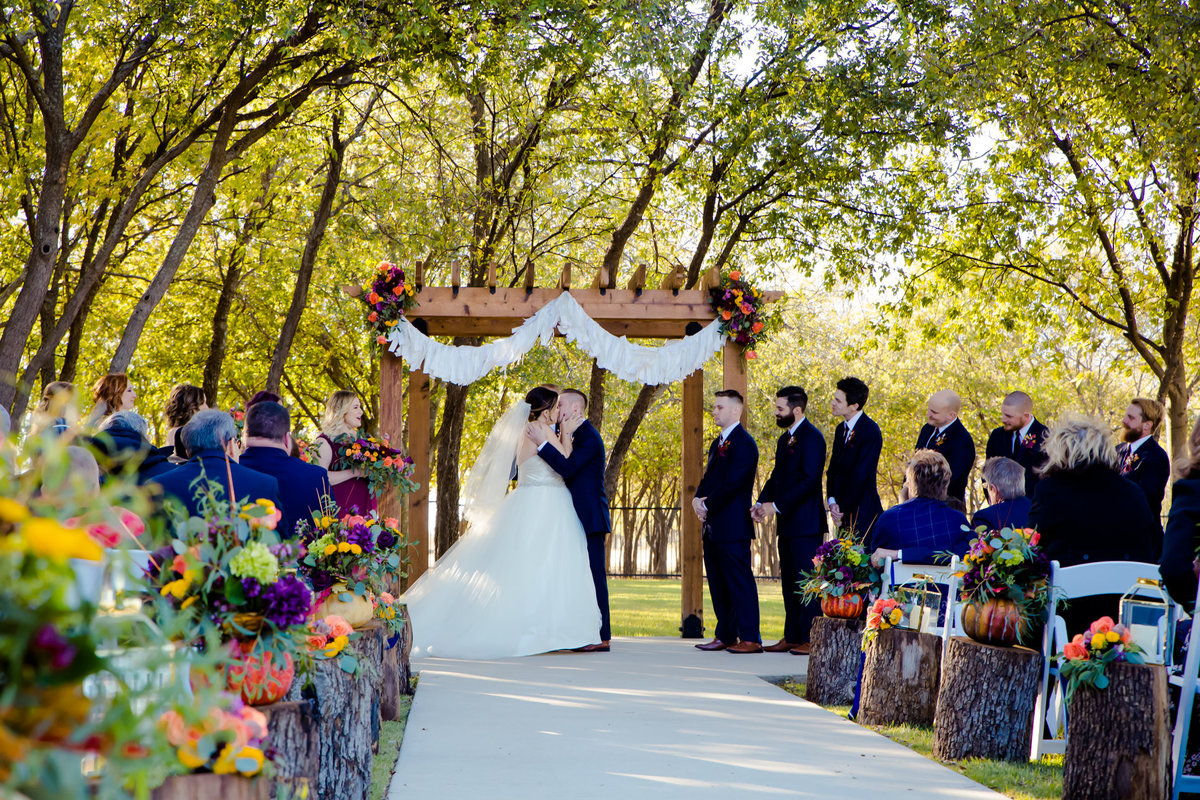 Barnett Estates Krum wedding ceremony
