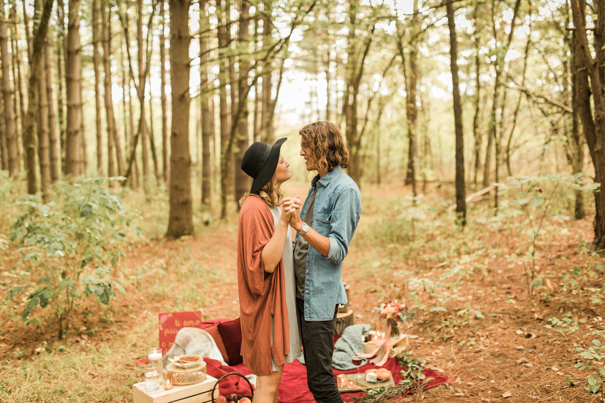 Busch Wildlife  Defiance, MO  Fall Picnic Colorado Themed Surpise Proposal  Cameron + Mikayla  Allison Slater Photography230
