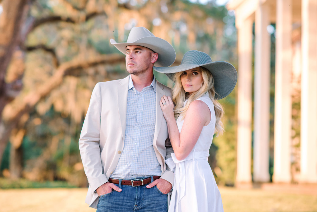 Southern Style Engagement Photography Ideas in South Carolina - Photographers near Charleston, SC
