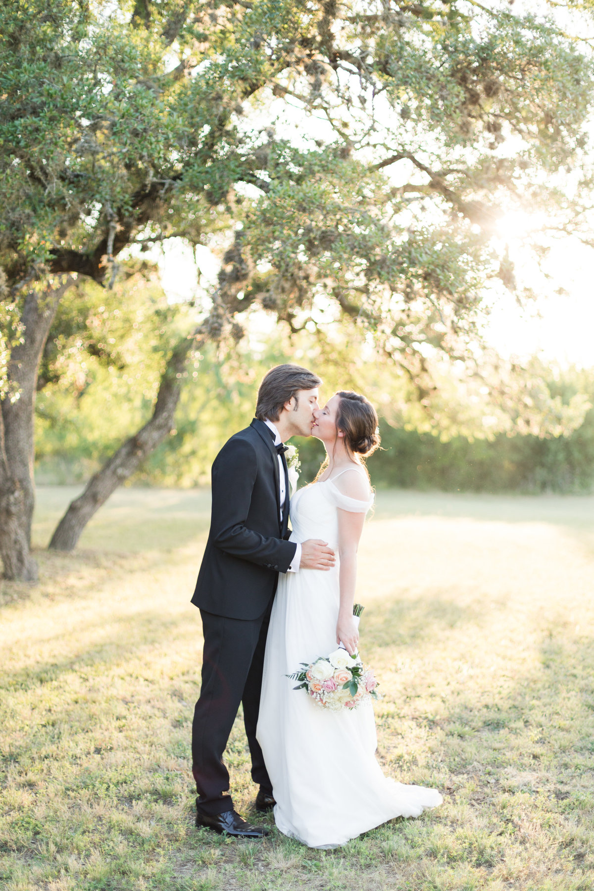 A Backyard San Antonio Italian Wedding by Allison Jeffers Wedding Photography
