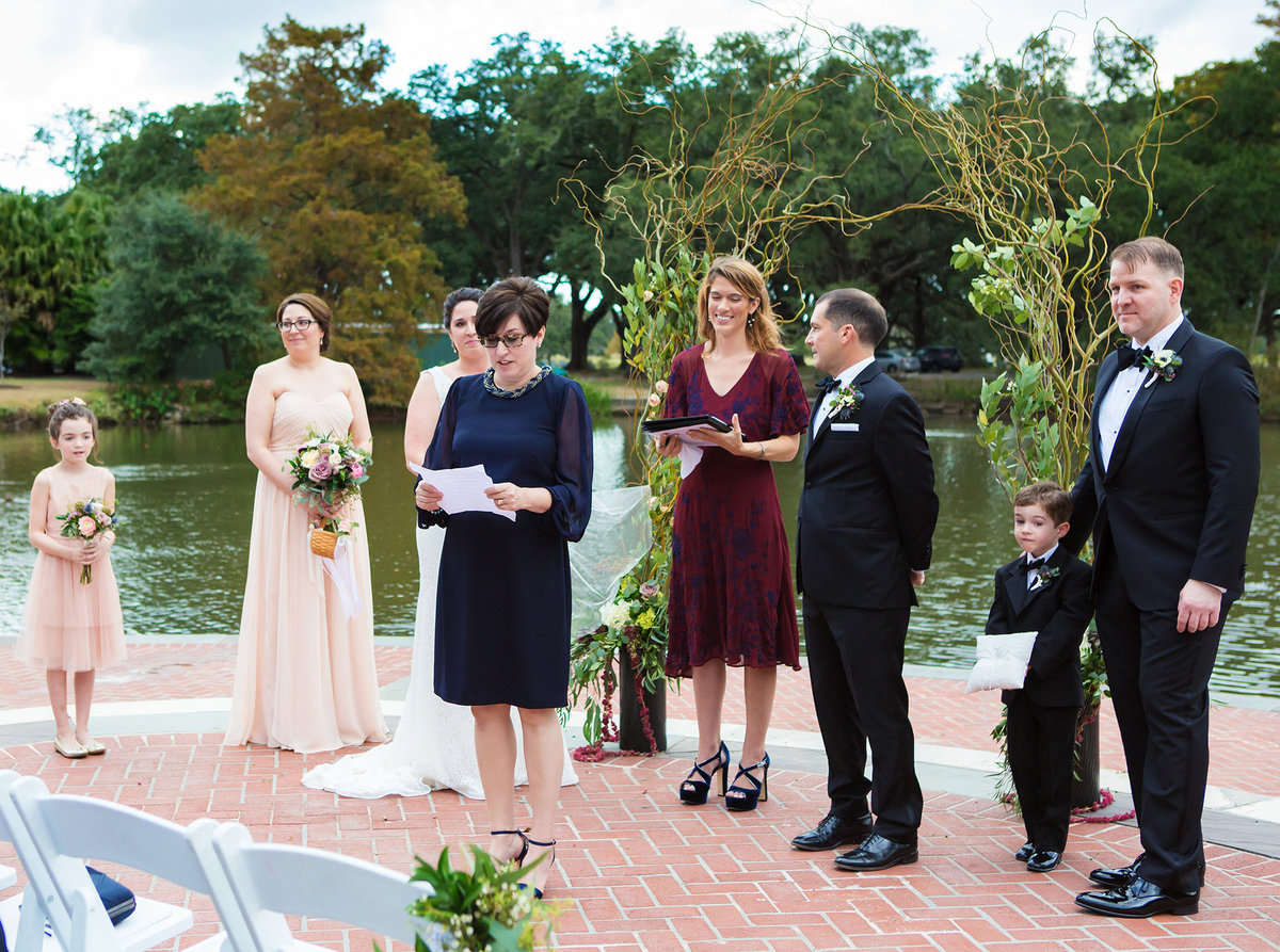 mother of the bride speech during wedding ceremony in Audubon Park