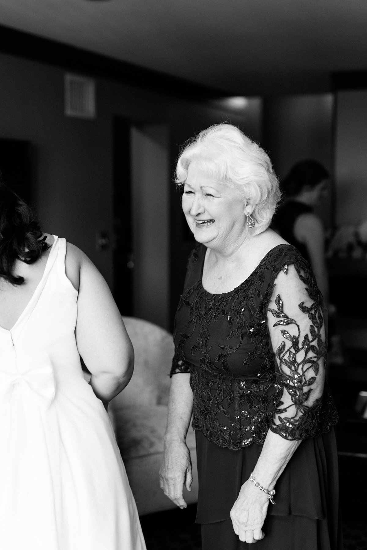 Rachel-Matt-Inn-at-St-Johns-Wedding-Michigan-Breanne-Rochelle-Photography49