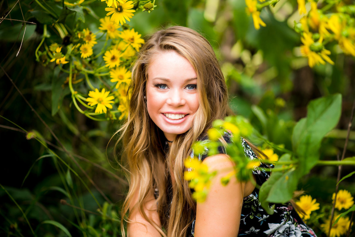Senior Session in yellow Flowers