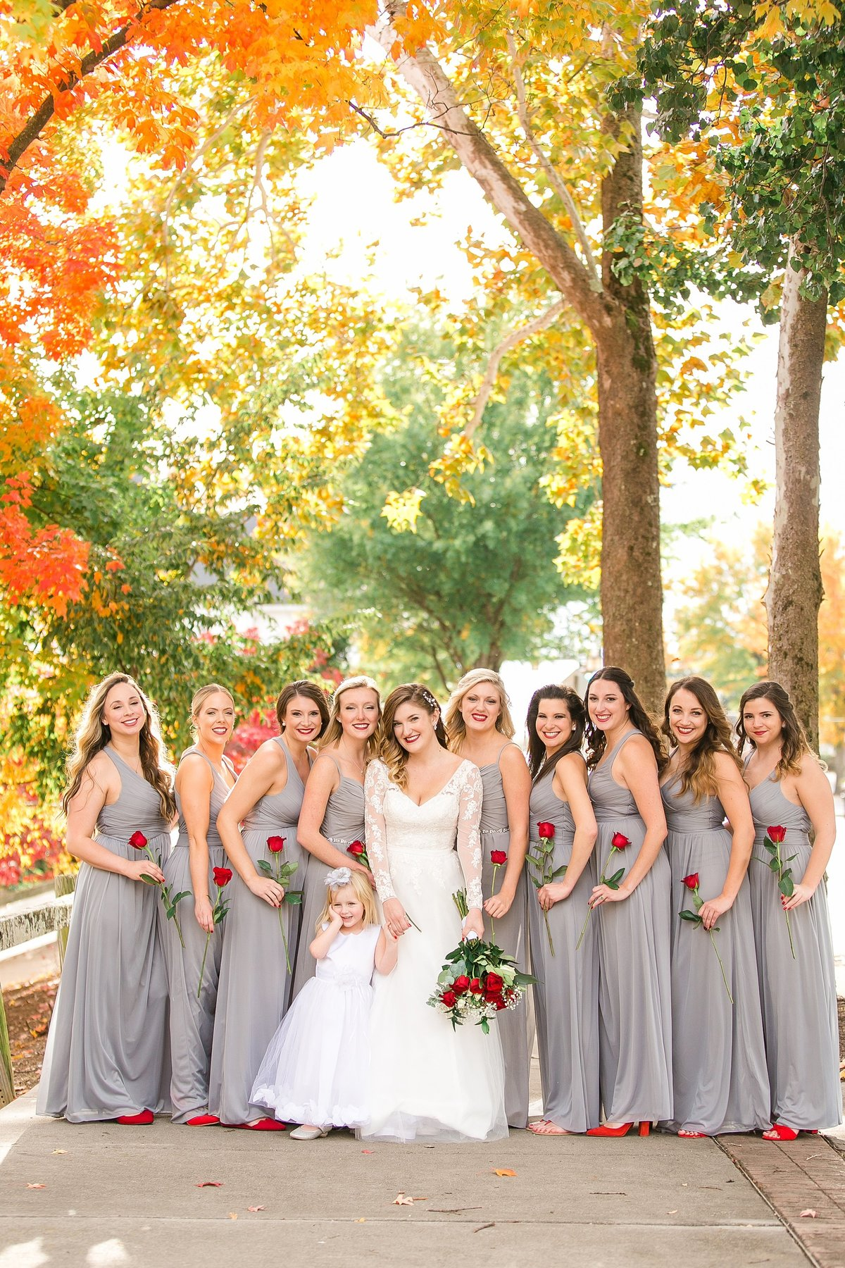 bridesmaids-grey-dresses-fall-leaves-red