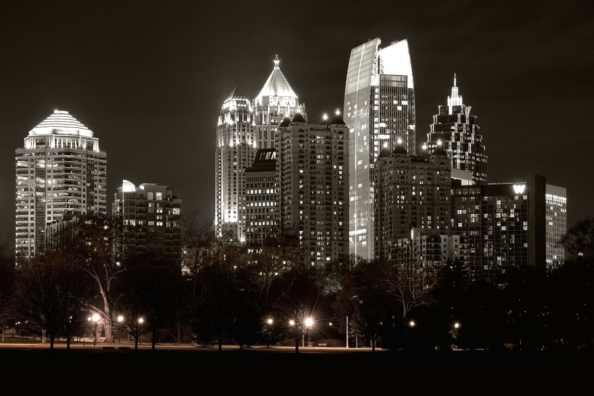 8x12_midtown_night_frompark01-BW