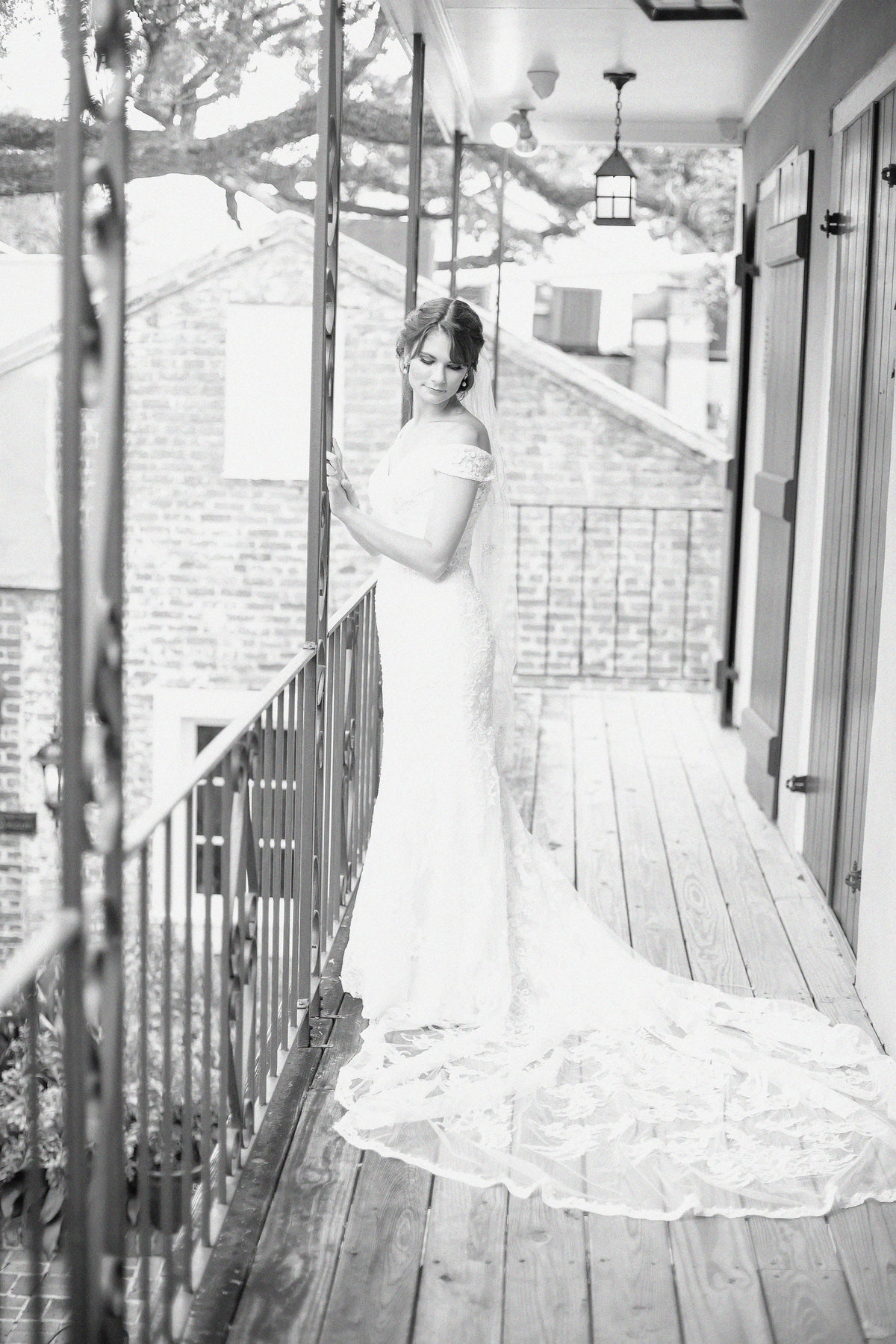 Christina-Bondi_Bridals65BW-Film
