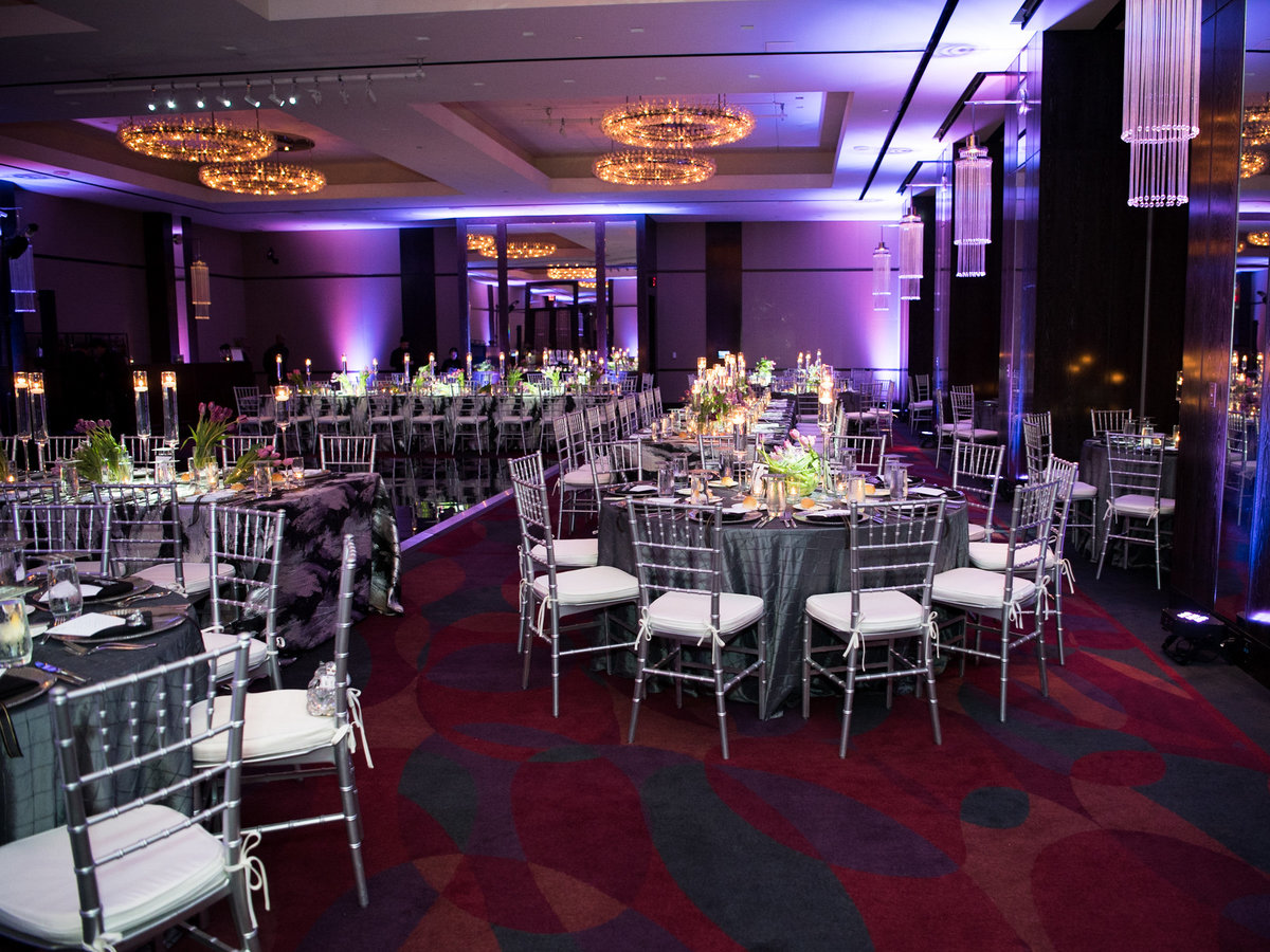 Courtney Hanson Photography - Modern wedding at The Joule-3811