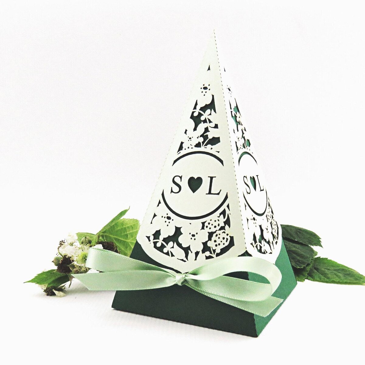 brambles_pyramid_favour_box