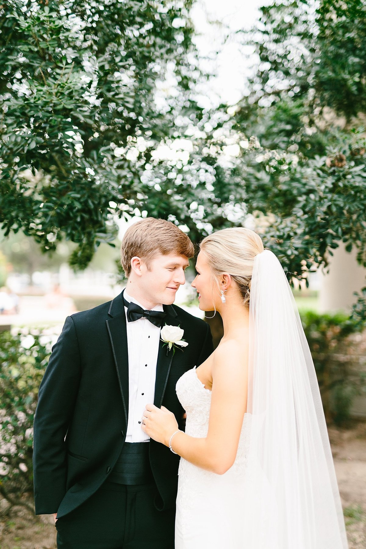 smith house photo - second baptist wedding photographer - houston wedding photographer - brae burn country club wedding - black tie wedding_0218