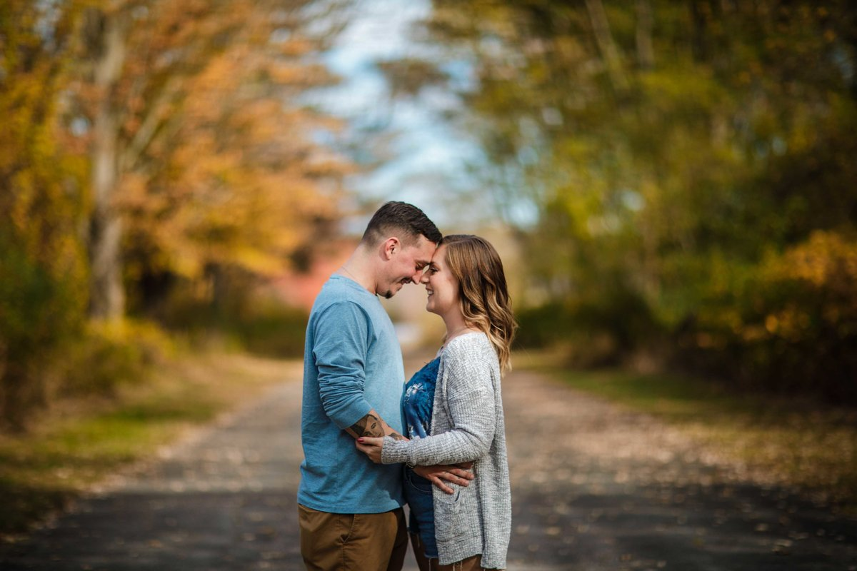 04 fall engagement session for wedding at pavilion on crystal lake