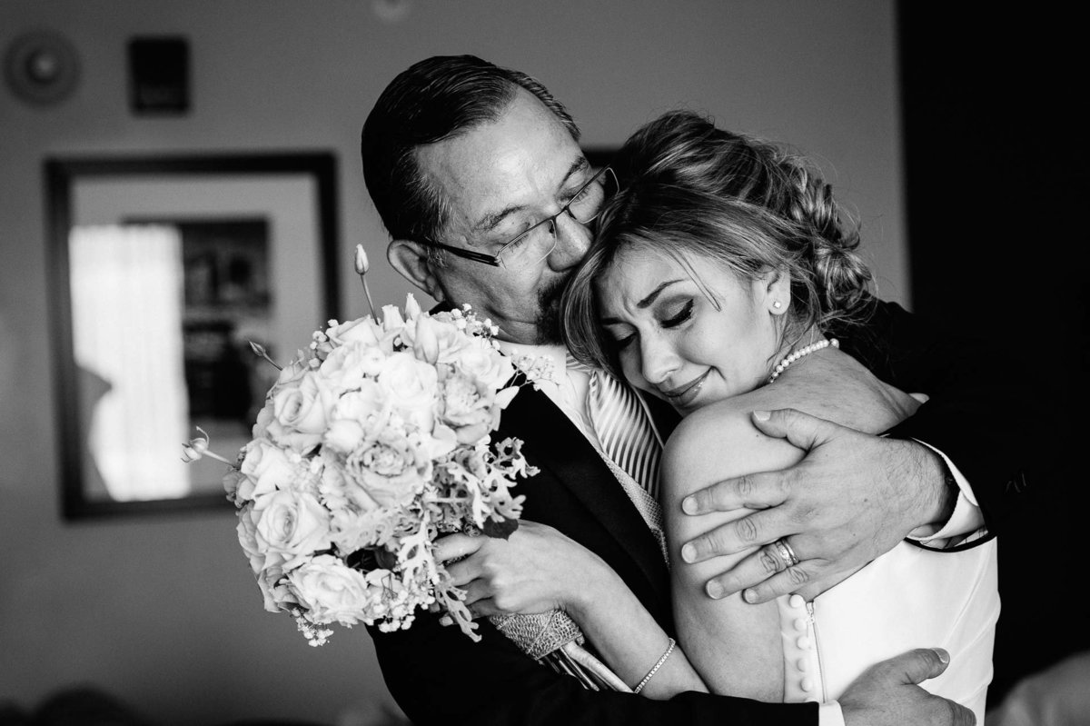 bride and her dad crying in el paso texas by stephane lemaire photography